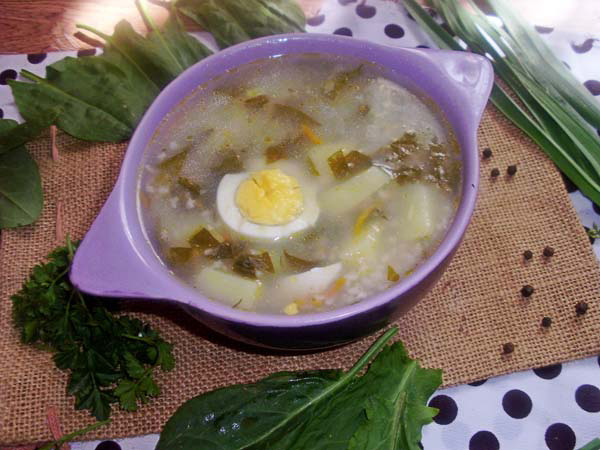 зеленый суп с яйцом