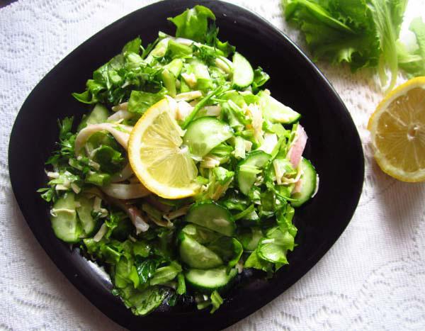 рецепт салата с кальмарами и свежим огурцом