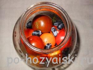 добавить помидоры с виноградом