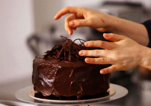 украшение растопленным шоколадом