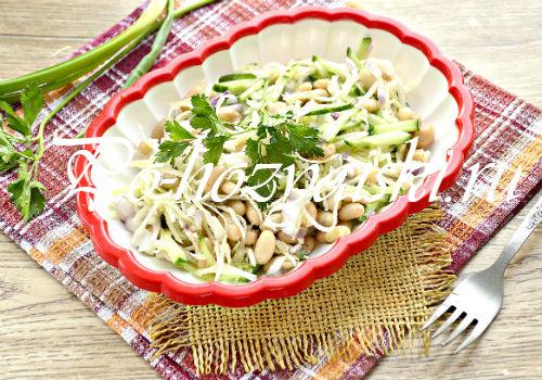 украсить салат с капустой и фасолью