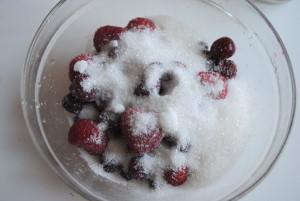 ягоды с сахаром