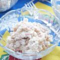 Салат с белой консервированной фасолью и крабовыми палочками