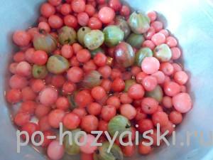 смешать ягоды