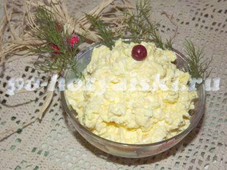 разложить Белочку  в салатники