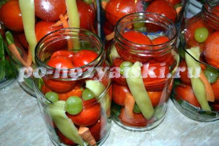 утрамбовываем помидорами