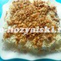 Пикантный салат с курицей, грибами и грецкими орехами