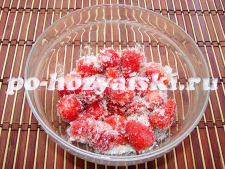 клубника в сахаре