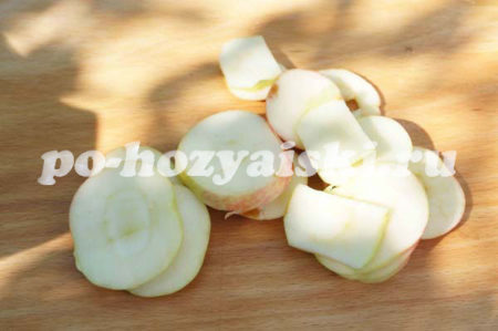 кусочки яблок