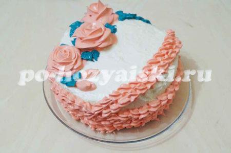 готовый торт с вареньем