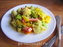овощное рагу с колбасой